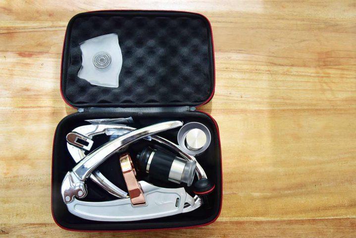 Flair-Espresseo-Maker Einzelteile im Koffer