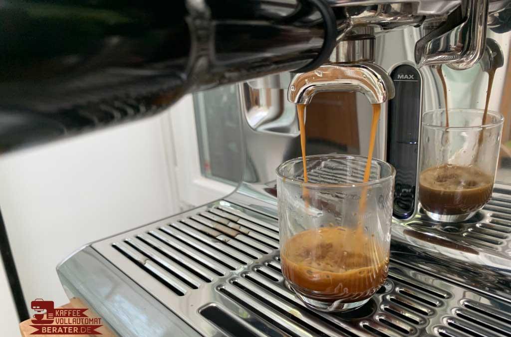Espresso Crema entsteht unten