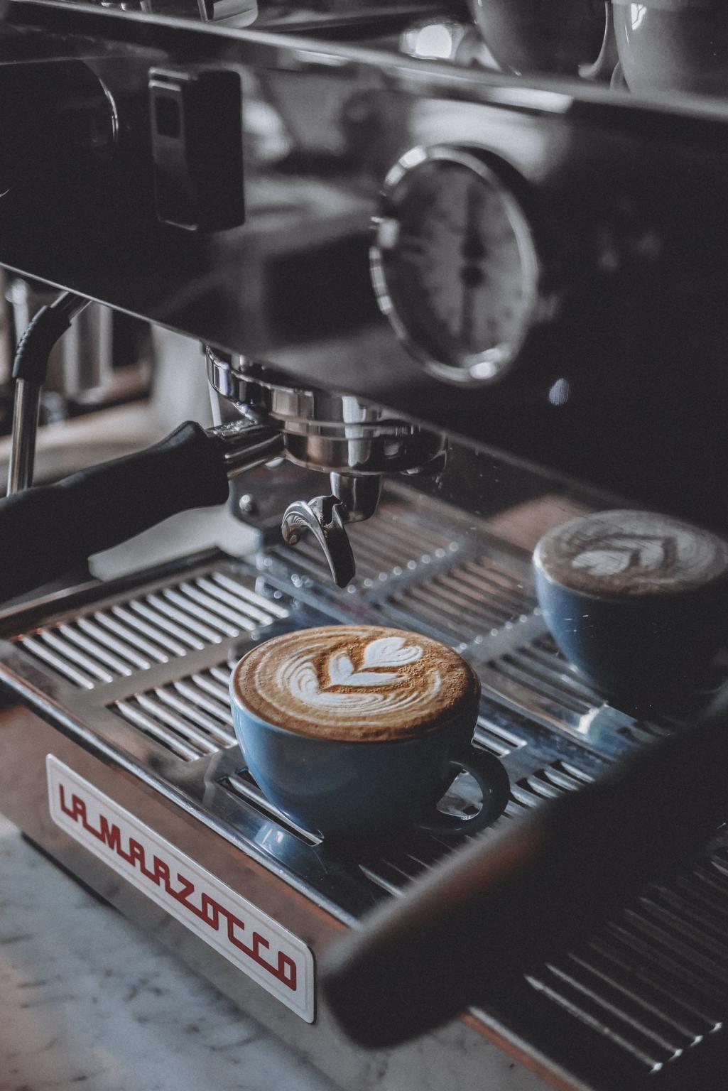 Entkalker für Kaffeevollautomaten: die Typen