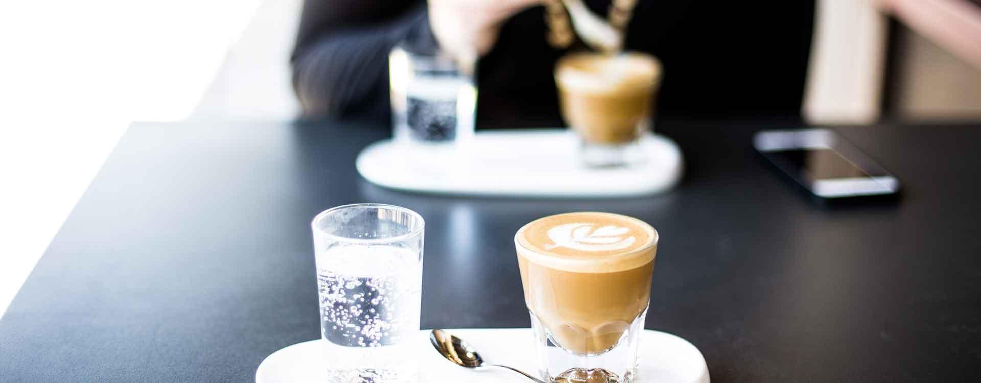 Kaffee schmeckt lecker