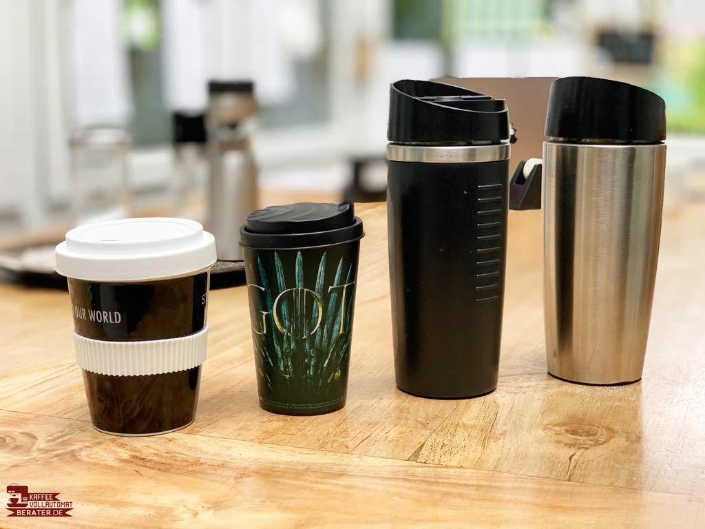 unterschiedliche Coffee-to-go-Becher