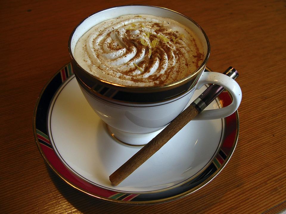 Kaffee-Kalorien-Sahne