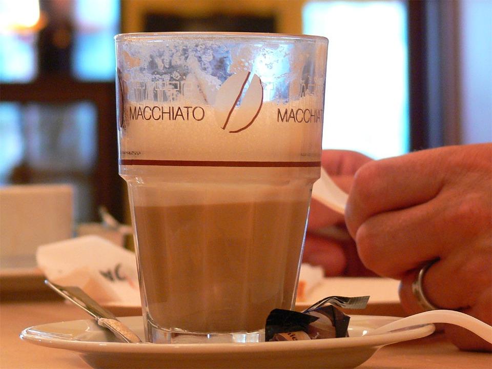 Milchkaffee: Latte Macchiato