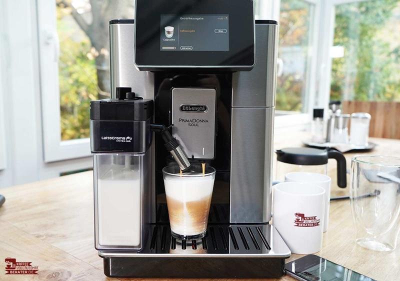 Cappuccino aus dem DeLonghi PrimaDonna Soul